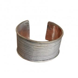Bracelet gravé au fil...