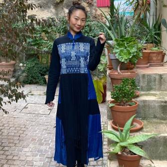 Robe bleue avec plastron...