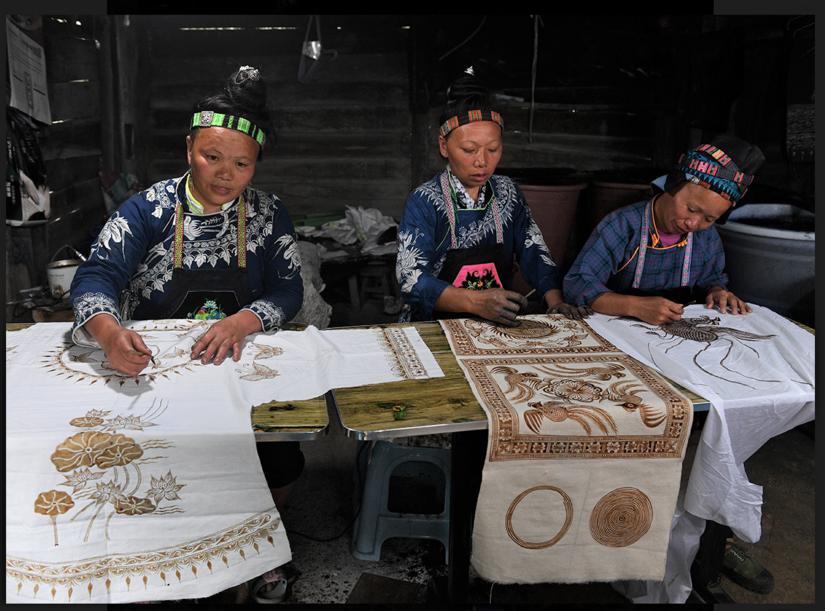 Préservation de l'art du batik dans les villages Miao du Guizhou